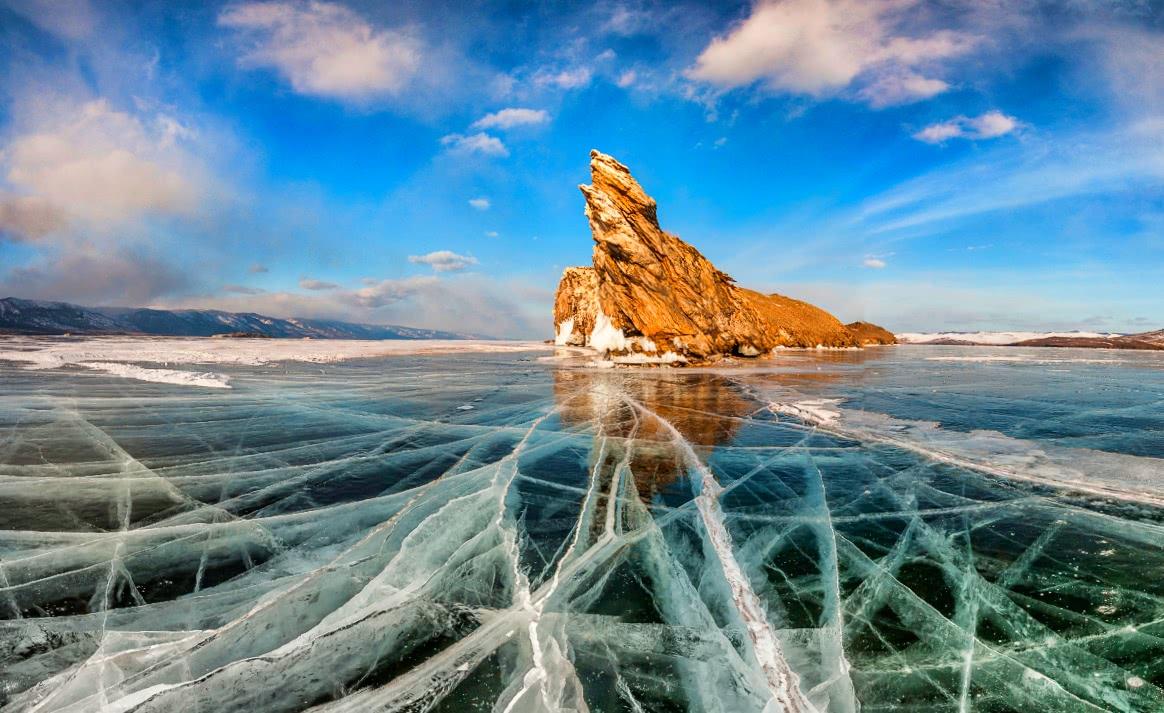https://baikalterra.com/img/winter-on-olkhon-island/winter-on-olkhon-island/winter-on-olkhon-island-1537431854.jpg